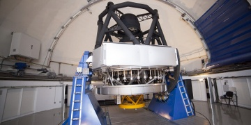 February 2016 - The Centro de Estudios de Física del Cosmos de Aragón (CEFCA) has proceeded with the final acceptance of the JST/T250 telescope at the Observatorio Astrofísico de Javalambre